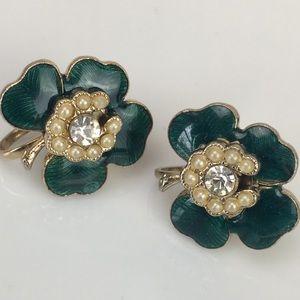 Vintage clover rhinestone screw back earrings